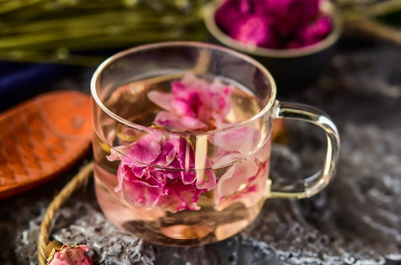 玫瑰花茶的作用,美白皮肤降低血压